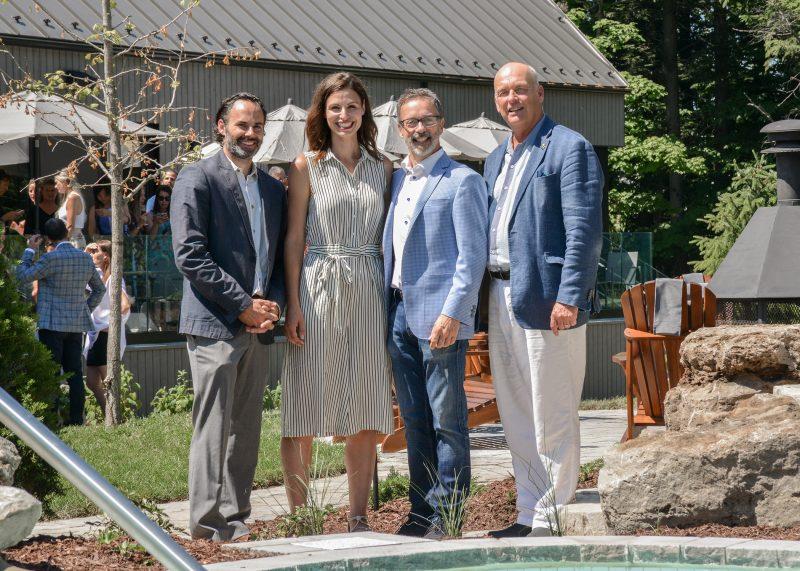 Guillaume Lemyone, Julie Morin, Serge Beauchemin et Yves Corriveau, maire de Mont-Saint-Hilaire. Photos: François Larivière