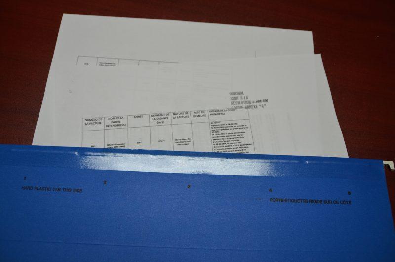 L'Œil Régional a obtenu la liste des dettes non payées grâce à une demande d'accès à l'information. Photo: Denis Belanger