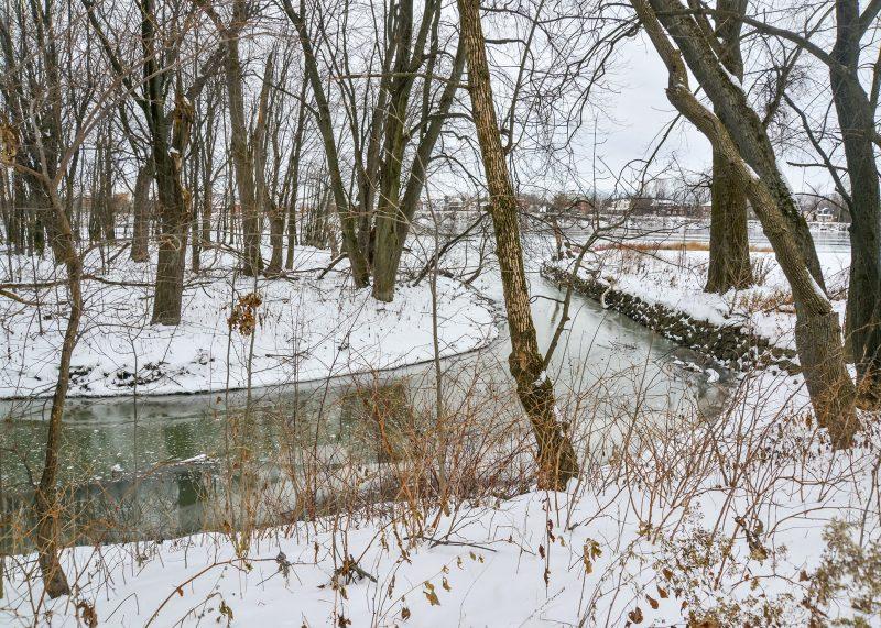 Le ruisseau juste à côté du Centre communautaire de la Pointe-Valaine. Photo:François Larivière