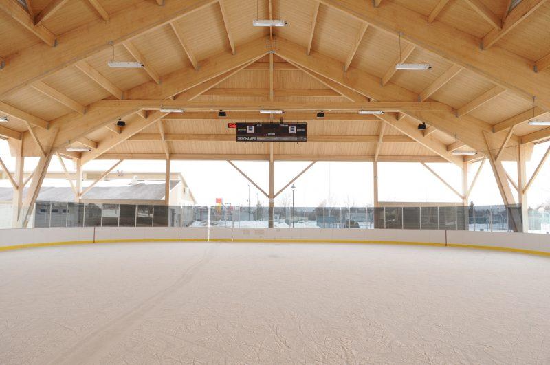 Après quelques semaines de retard, la patinoire réfrigérée de McMasterville est ouverte. Photothèque | L'Œil Régional
