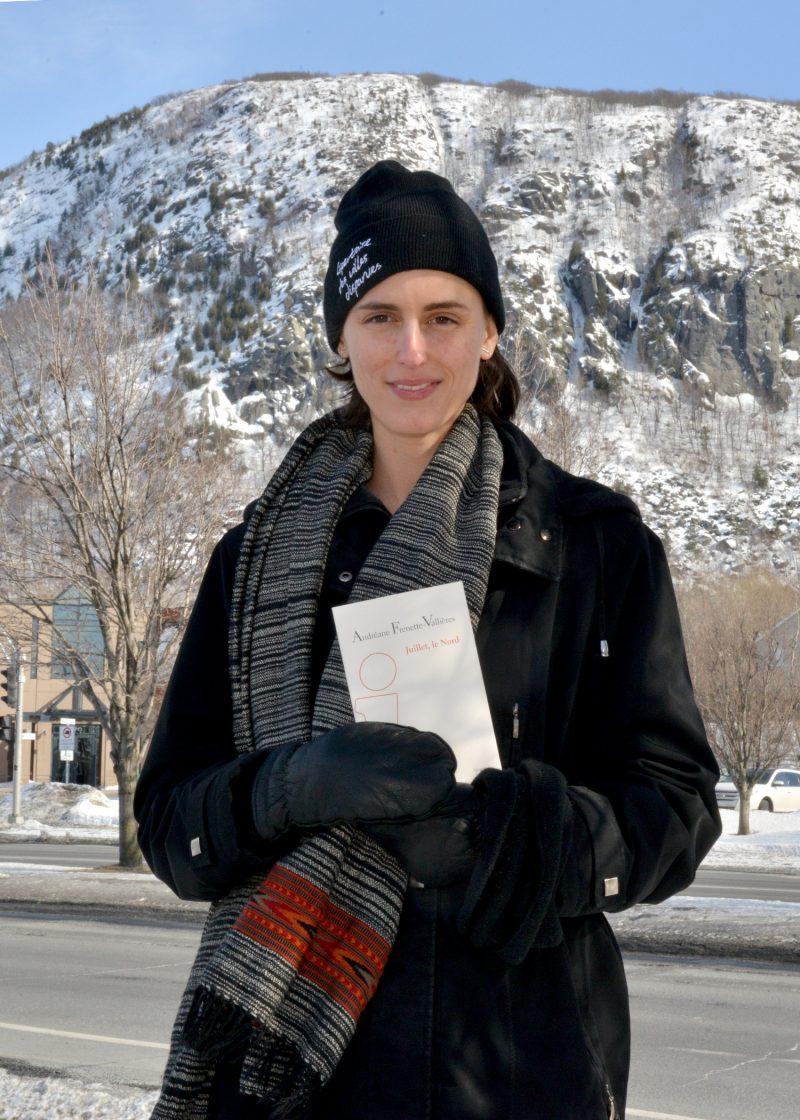 Andréane Frenette-Vallières est installée à Montréal depuis une dizaine d'années, mais n'a jamais vraiment quitté Mont-Saint-Hilaire, une ville au paysage qui l'inspire aussi à sa manière. Elle a publié en février son premier recueil de poésie. Photo François Larivière | L'Œil Régional ©