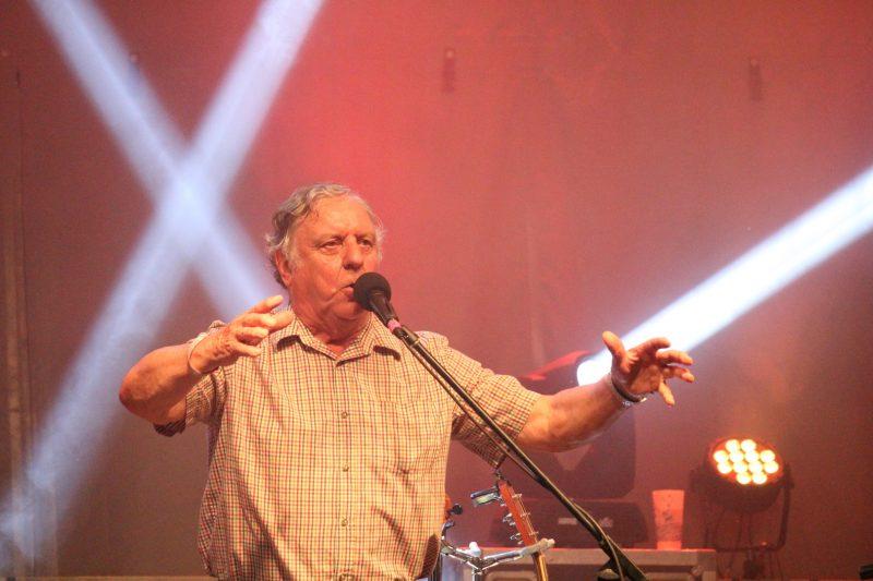 Cette année, le « chevreuil » de Chants de Vielles était nul autre que Gervais Lessard, violoneux, chanteur et grand farceur. Il a non seulement présenté un spectacle célébrant les 45 ans de son groupe, Le Rêve du Diable, mais a également animé plusieurs ateliers et s'est donné la liberté d'intervenir dans quelques autres spectacles pendant le festival.