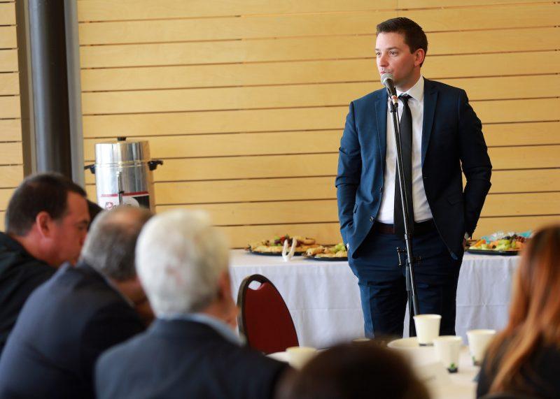 Simon Jolin-Barrette lors de son premier forum économique. Photothèque| L'Œil Régional ©