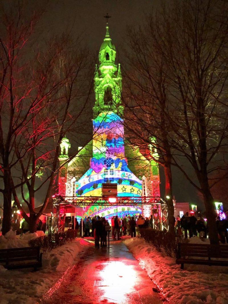 En 2019, la 5e édition de Showfrette Week-end en lumière avait attiré un nombre record de 4500 participants sur le parvis de l'église Saint-Matthieu dans le Vieux-Belœil. Un succès qu'on espère répéter – et dépasser – les 28 et 29 février. Photo Agence MOBUX