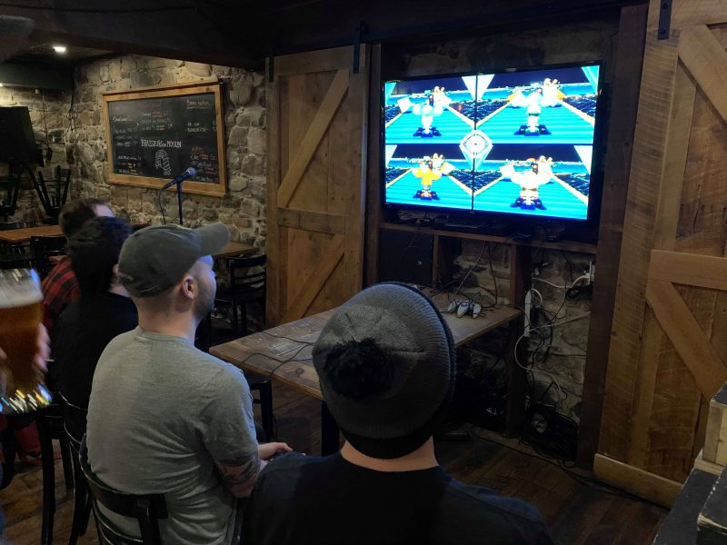 Des joueurs ont participé à un tournoi de Mario Kart 64. Photo gracieuseté