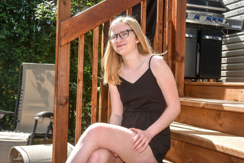 Marjorie Lapointe, âgée de 19 ans, vit encore difficilement avec les séquelles de son accident. Photo François Larivière | L'Œil Régional ©