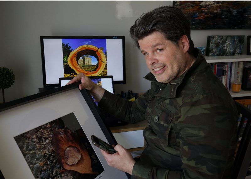 Artiste touche-à-tout accompli, l'Hilairemontais Frédéric Dénommée a ajouté la photogra- phie mobile et l'art numérique à son arc, capturant la beauté de la région dans son téléphone intelligent. Photo Robert Gosselin | L'Œil Régional ©