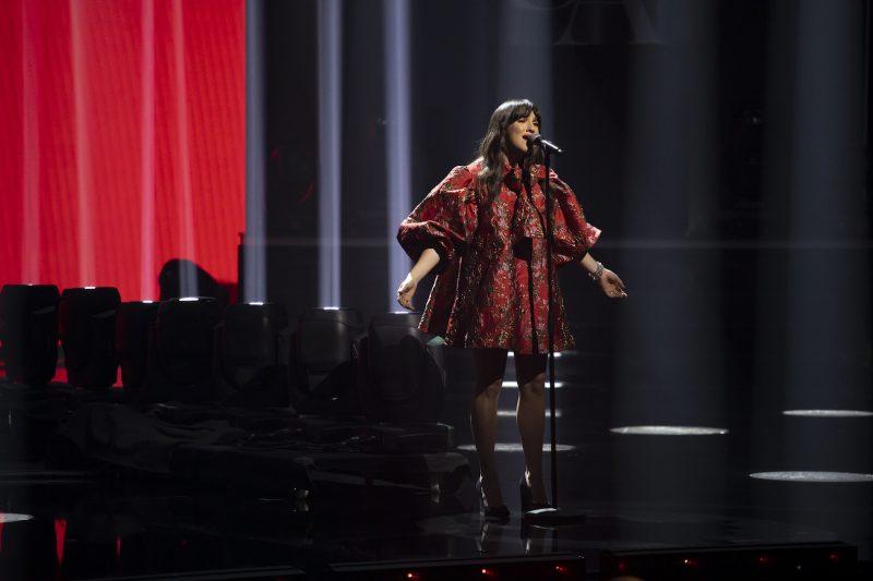 Dimanche, Lunou Zucchini a interprété « De la main gauche », une chanson de Danielle Messia. Le public québécois a décidé de l'envoyer en finale. Photo Éric Myre