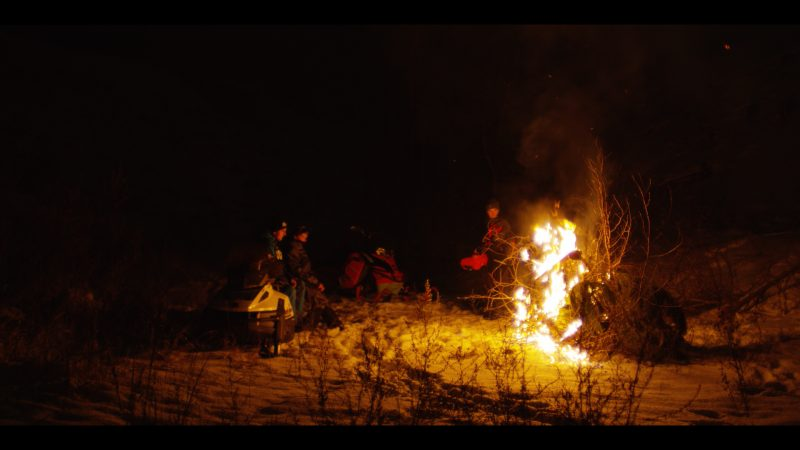 Lost dans l'Paradise, documentaire de 18 minutes, traite du quotidien d'adolescents de Normandin, au Lac-Saint-Jean, sur une trame très contemplative reflétant le rythme de leur région. Photo gracieuseté
