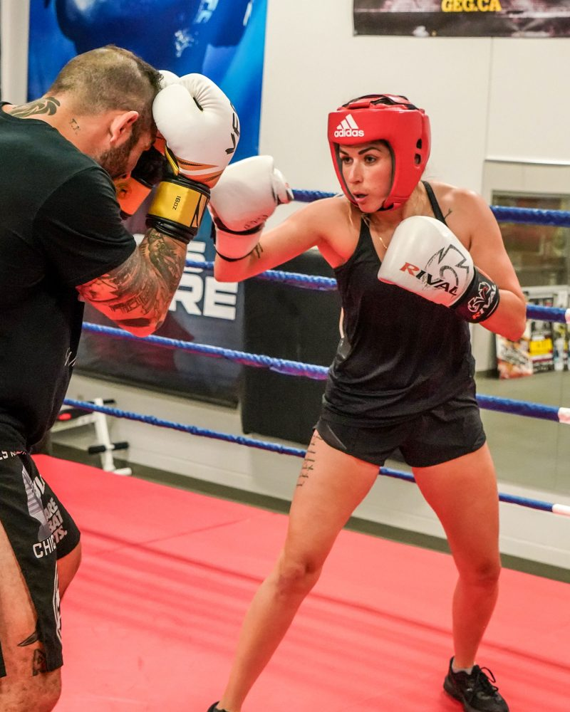 Maguy Deslauriers s'entraîne au Club de boxe de Saint-Hyacinthe. Photo François Larivière   L'Œil Régional ©��