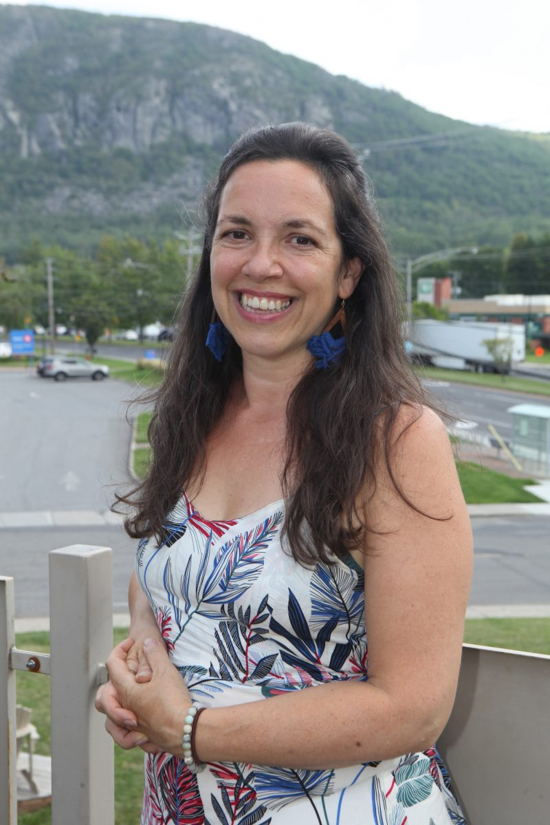 Marie-Josée Béliveau, militante écologiste et féministe, a décidé de porter les couleurs du Nouveau Parti démocratique dans Belœil–Chambly aux élections fédérales. Photo Robert Gosselin | L'Œil Régional ©