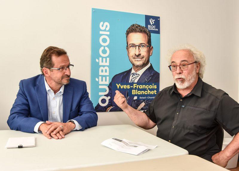 Le chef du Bloc québécois, Yves-François Blanchet, a obtenu l'appui de Jean-Pierre Charbonneau, ancien président de l'Assemblée nationale et ancien député du Parti québécois. Photo François Larivière   L'Œil Régional ©