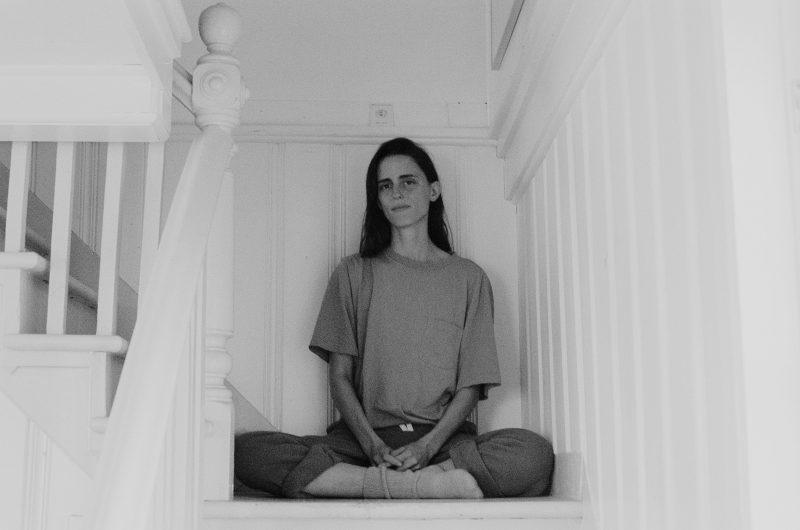 L'autrice originaire de Mont-Saint-Hilaire Andréane Frenette-Vallières a profité du confinement de la dernière année pour vivre six mois sur la Côte-Nord. Cela lui a permis de multiplier les projets. Photo Eve Lafontaine